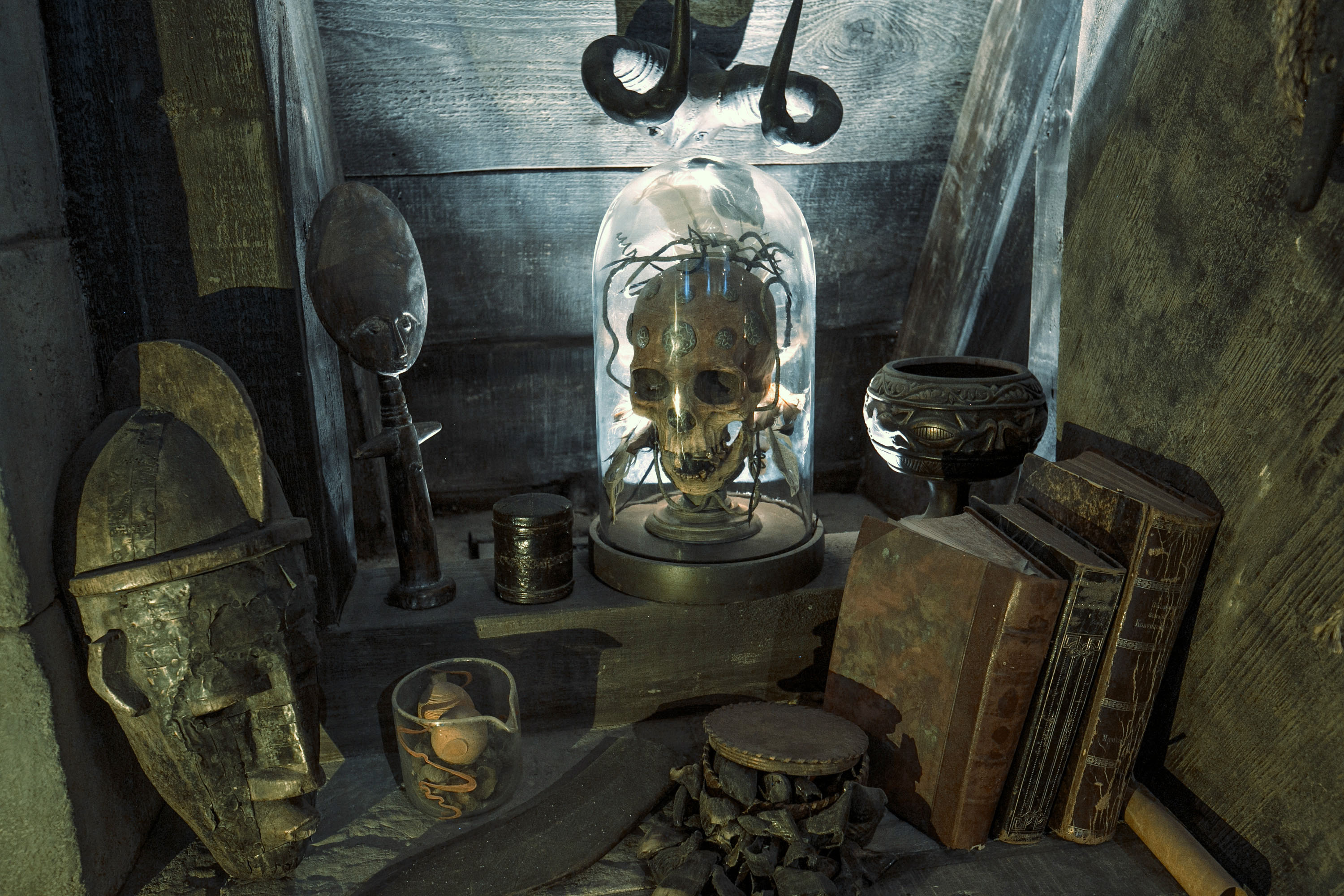 Items inside the Defence Against the Dark Arts classroom within Hogwarts castle