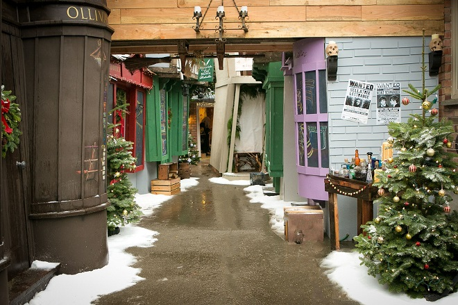 Potterish :: Harry Potter, o Ickabog, Animais Fantásticos e JK Rowling Fã constrói o próprio Beco Diagonal na garagem