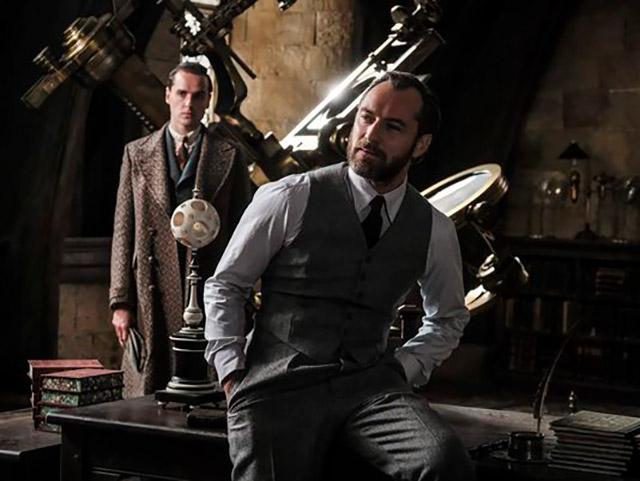 Potterish :: Harry Potter, o Ickabog, Animais Fantásticos e JK Rowling Dumbledore e Grindelwald aparecem em fotos inéditas de Animais Fantásticos