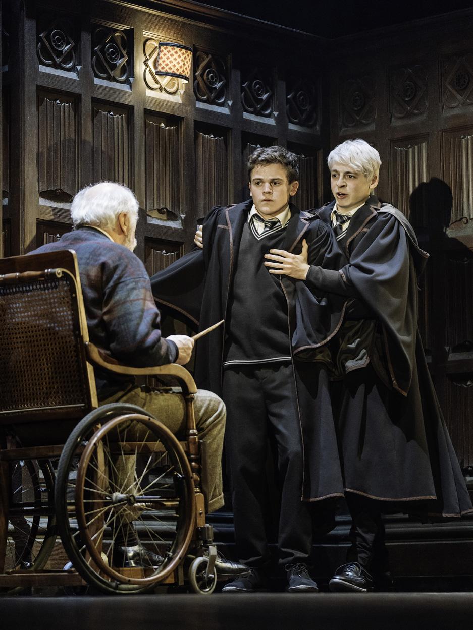 Potterish :: Harry Potter, o Ickabog, Animais Fantásticos e JK Rowling Amos Diggory confronta Alvo Severo Potter em foto inédita de Cursed Child