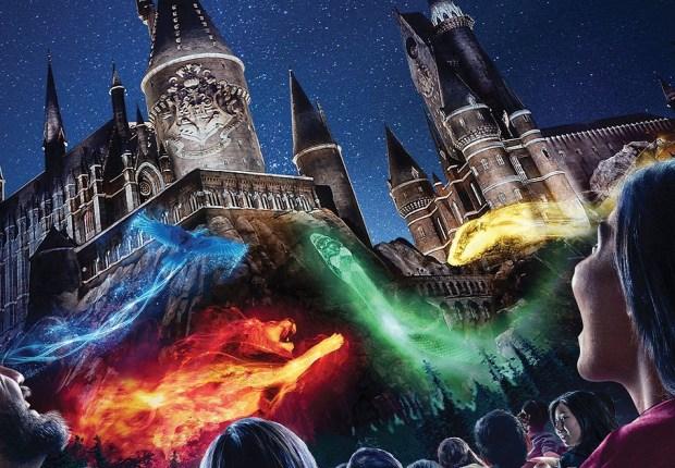 Potterish Show de Luzes no Castelo de Hogwarts retorna ao parque em Hollywood