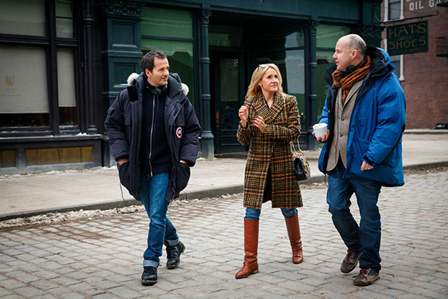 J.K. Rowling no set de Animais Fantásticos e Onde Habitam junto do produtor David Heyman e do diretor David Yates