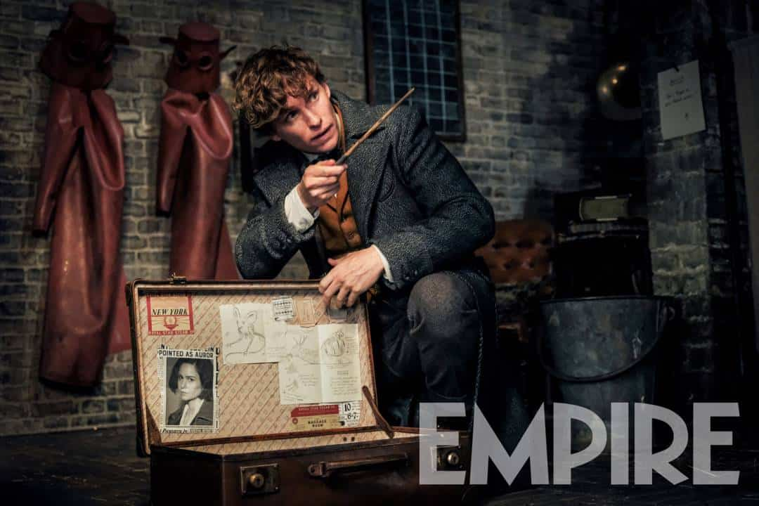 Potterish :: Harry Potter, o Ickabog, Animais Fantásticos e JK Rowling Newt Scamander aparece com sua maleta em imagem inédita de Animais Fantásticos: Os Crimes de Grindelwald