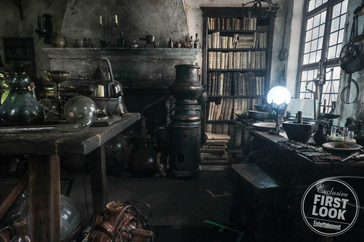 Potterish.com [Year 18] :: Harry Potter, The Ickabog, Fantastic Beasts, JK Rowling, Daniel, Emma & Rupert Discover Nicolas Flamel's house in Fantastic Beasts: The Crimes of Grindelwald