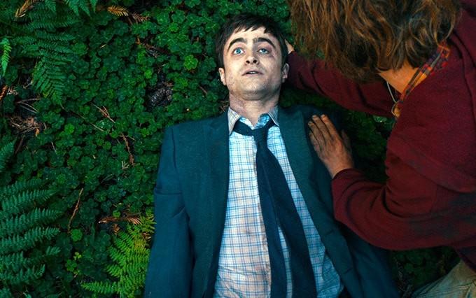 Daniel Radcliffe interpreta cadáver